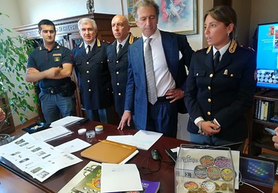 Droga: conferenza stampa in Questura su negozi 'cannabis light' (ANSA)