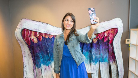 MUSEO DEI SELFIE - Tiffany Rose Photography - Collette Miller Angel Wings with model-8148(ANSA)